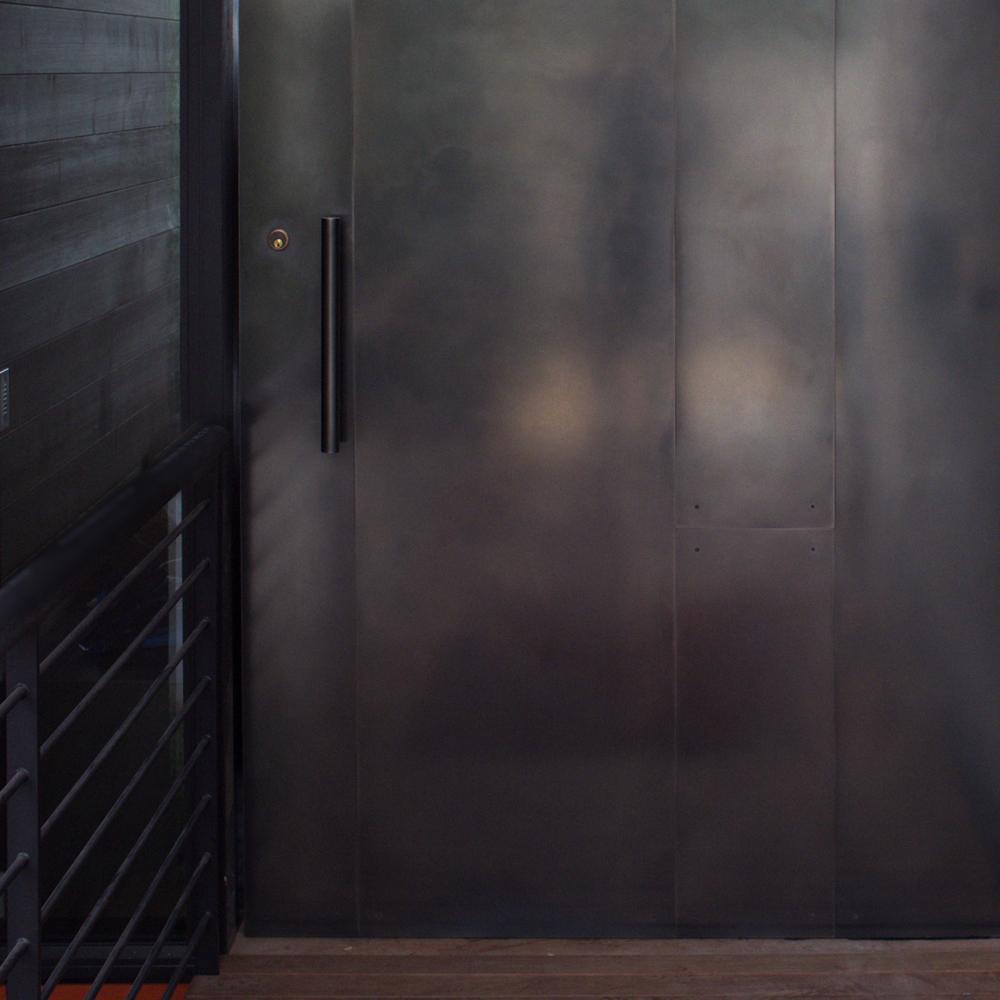 Pivot blackened stainless steel door for 14 door
